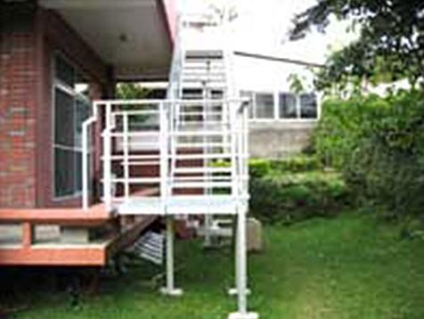 階段の増築A(施工後)